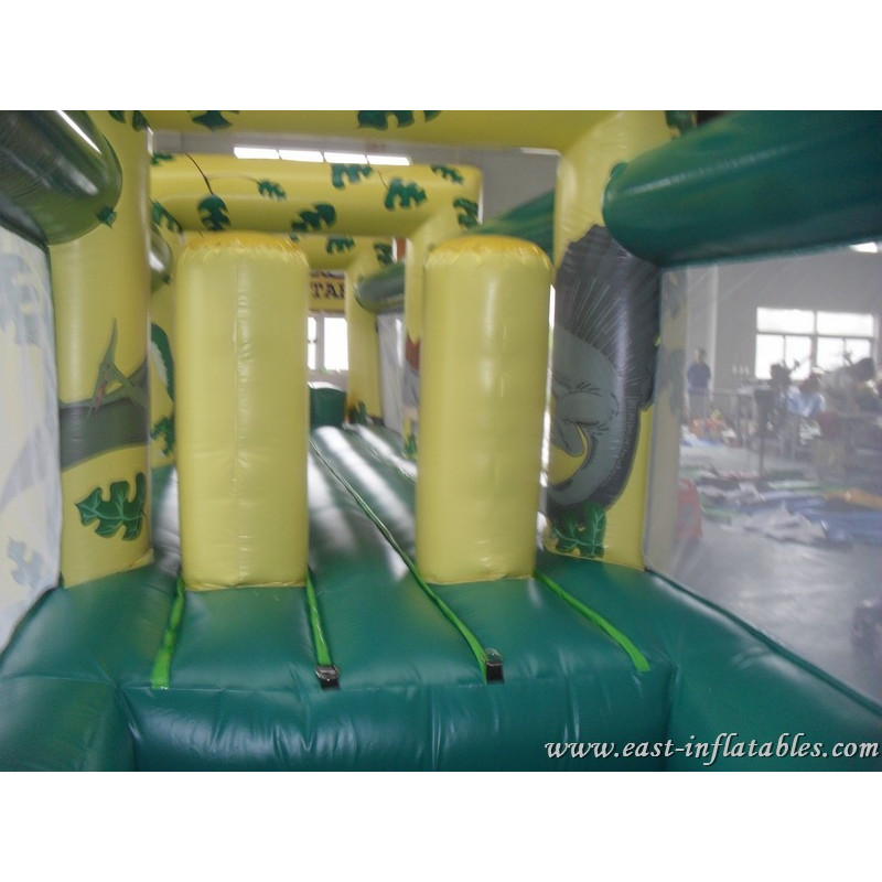 Inflatable Tunnel Jungle
